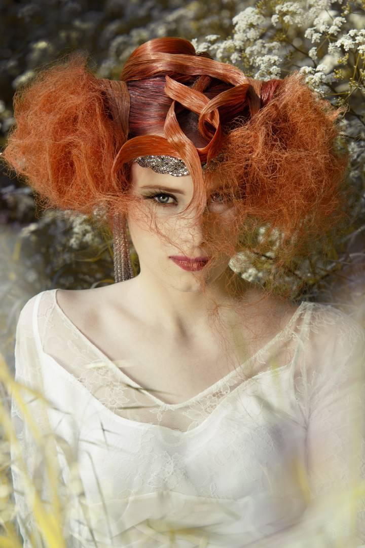 Coiffure, couleur chevelure et maquillage réalisés par Didier pour le salon CURL'IN