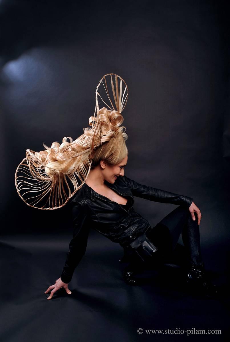 ENVOLEE SUBTILE - janvier 2011 -Créativité et réalisation de la coiffure et du maquillage par Didier du salon CURL'IN